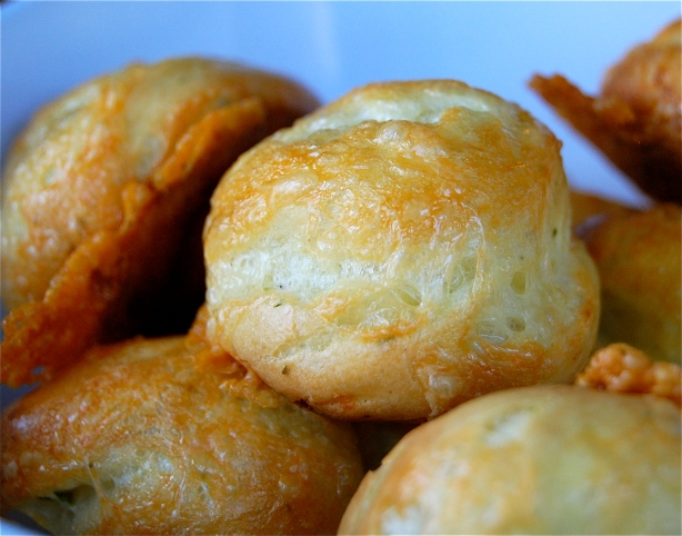 cheddar cheese & chive puffs